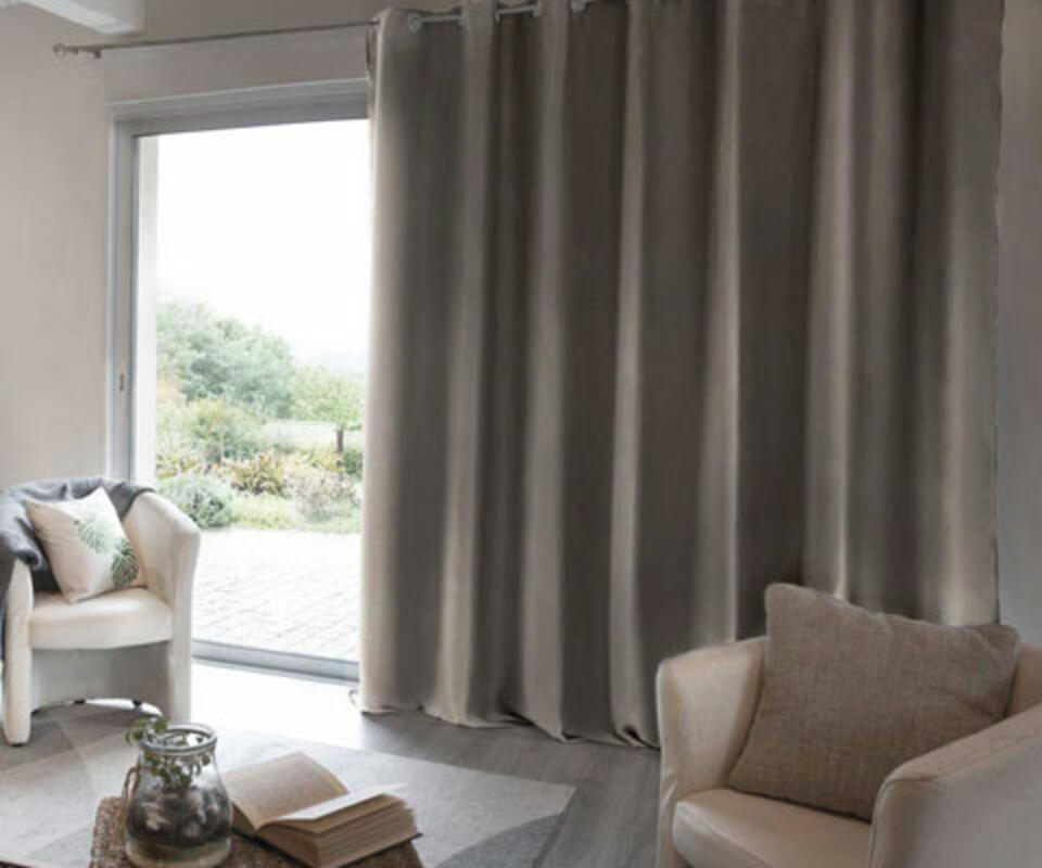 cortina térmica beige oscuro