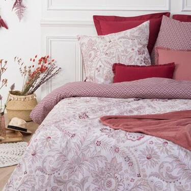 Funda nórdica roja con motivos florales