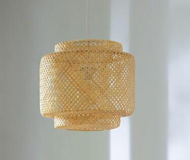 Lámpara de techo de ratan